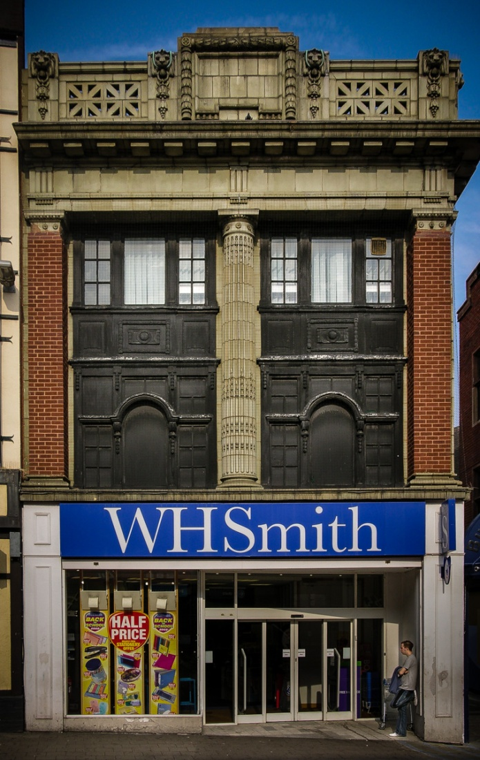 WH Smith (Walsall)