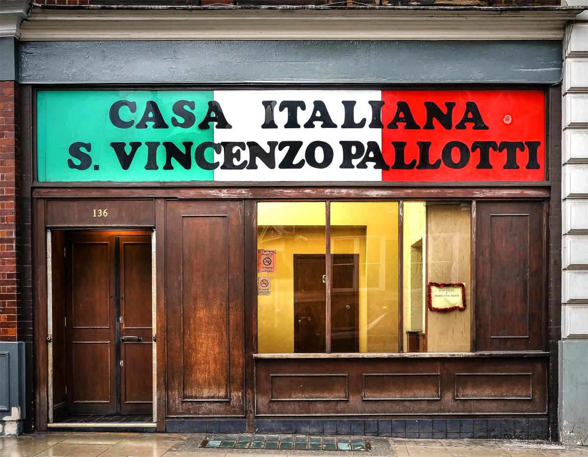Casa italiana s vincenzo pallotti shopfront elegy for Casa italiana