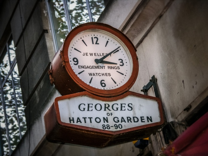 Georges & Co. clock