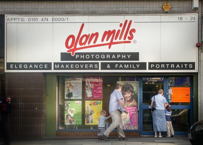 Olan Mills