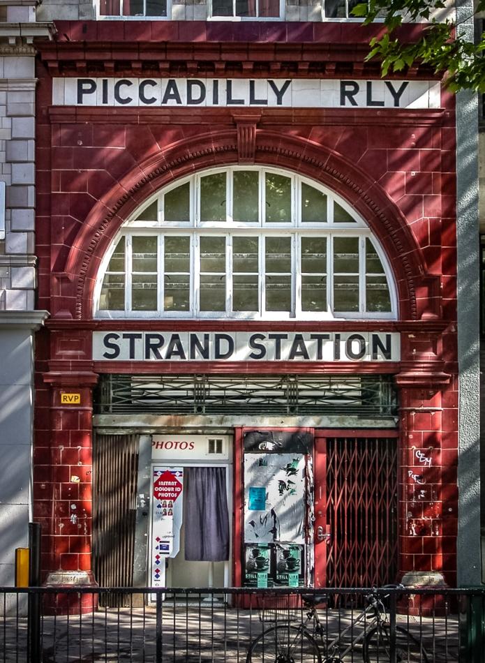 Strand Station, Kingtson Show, Photos