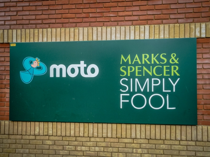 Moto Marks & Spencer Simply Fool