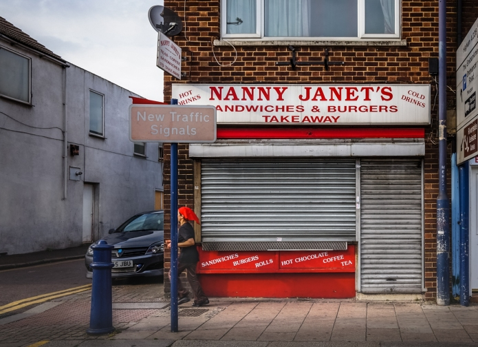 22 Milton Road, Gravesend, Kent, 2015 • Unusual family-based name for a burger bar. May 2014 https://goo.gl/maps/CbPJf9UG4ZP2 the same